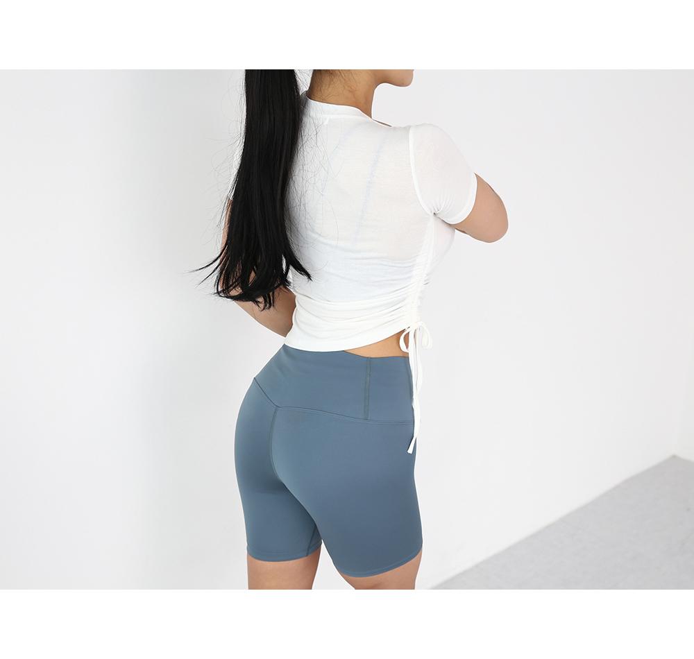 短褲模特穿用形象 - S1L6